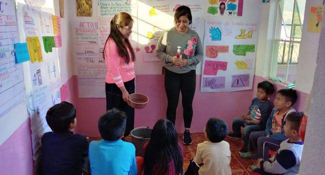 SPDMJI demonstrates hygiene techniques to children